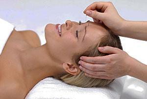 Acupuncture Facial in progress